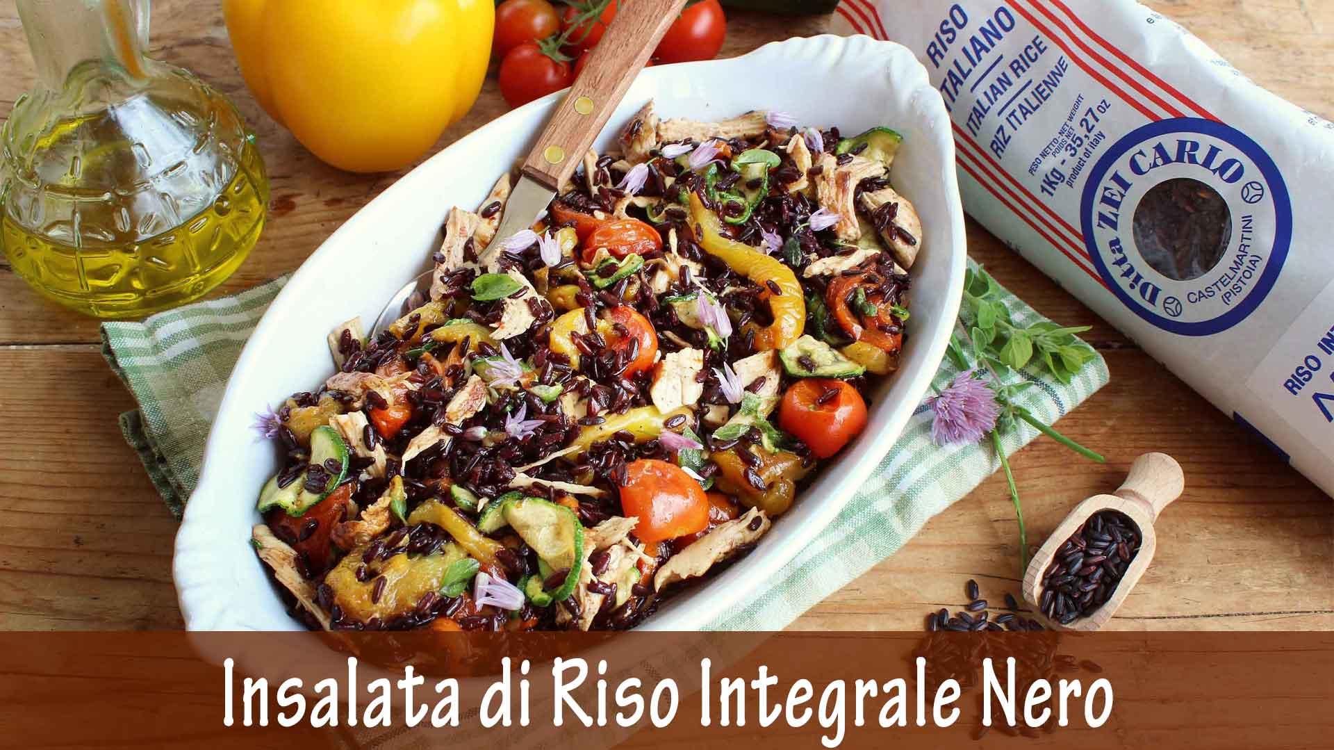 Insalata di Riso Integrale Nero con Pollo e Verdure estive